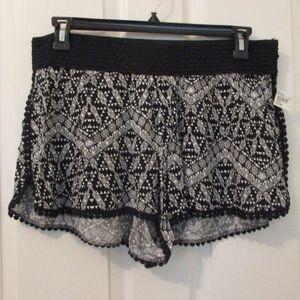 NWT - NO BOUNDRIES pull-on shorts - sz JR. XL